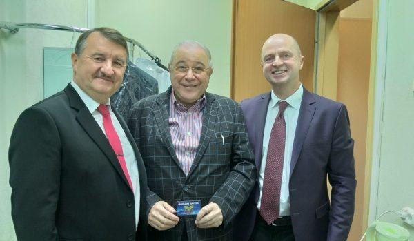 Вручение Евгению Вагановичу Петросяну членского билета «Большой дружбы»
