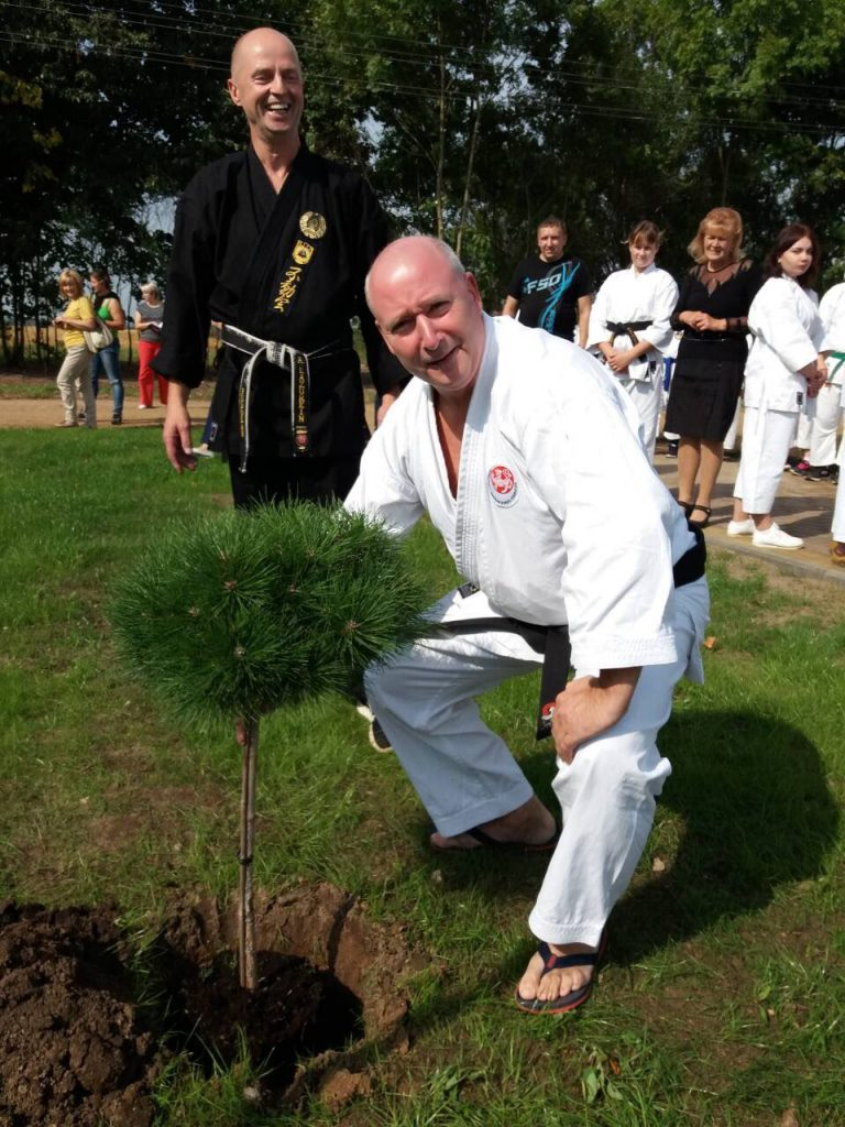 Михаэль Бок, Президент федерации карате Германии, и его дерево на аллее почетных гостей